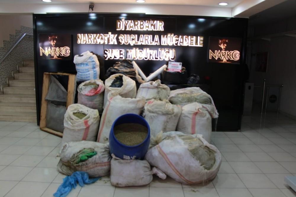 Diyarbakır'da 720 kilogram esrar ele geçirildi
