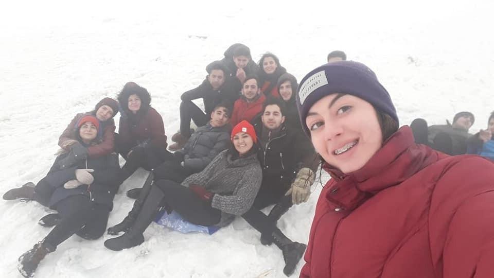Sömestri tatilinde ders tekrarı yapan öğrencilere kayak keyfi