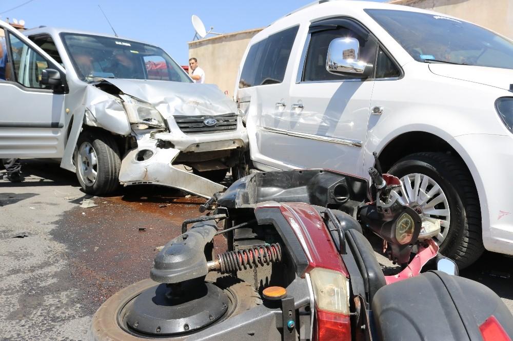 Diyarbakır'da zincirleme kaza: 4 yaralı