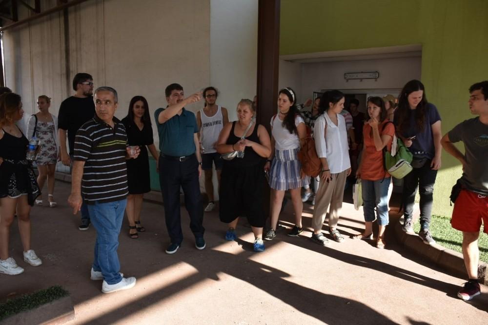 9 ayrı ülkeden Diyarbakır'a çıkarma