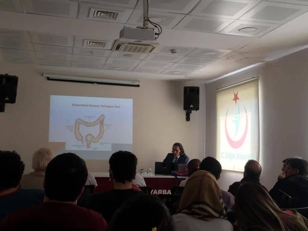 Doç. Dr. Çakabay'dan sağlık çalışanlarına kanser bilgilendirmesi