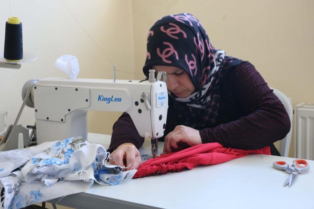 Bitlisli kadınlar hem üretiyor hem sosyalleşiyor