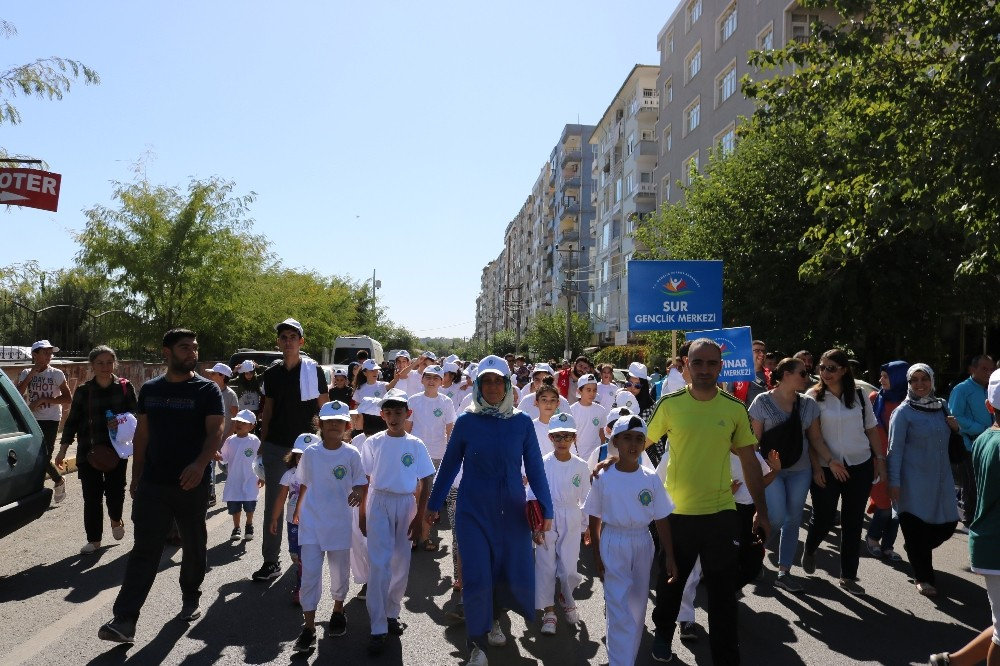 Diyarbakır'da vatandaşlar sağlık için yürüdü