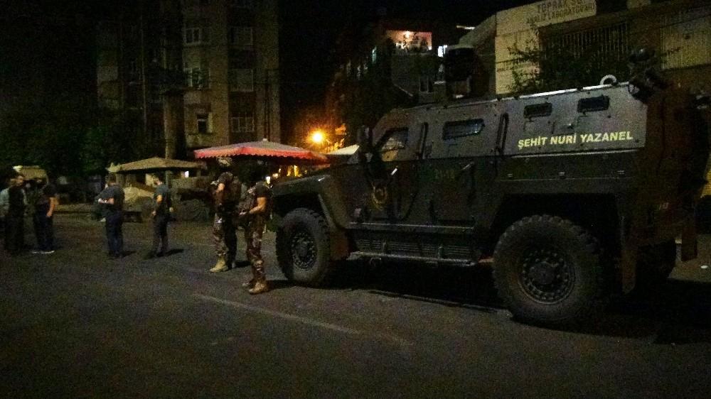 Diyarbakır'da gece operasyonu