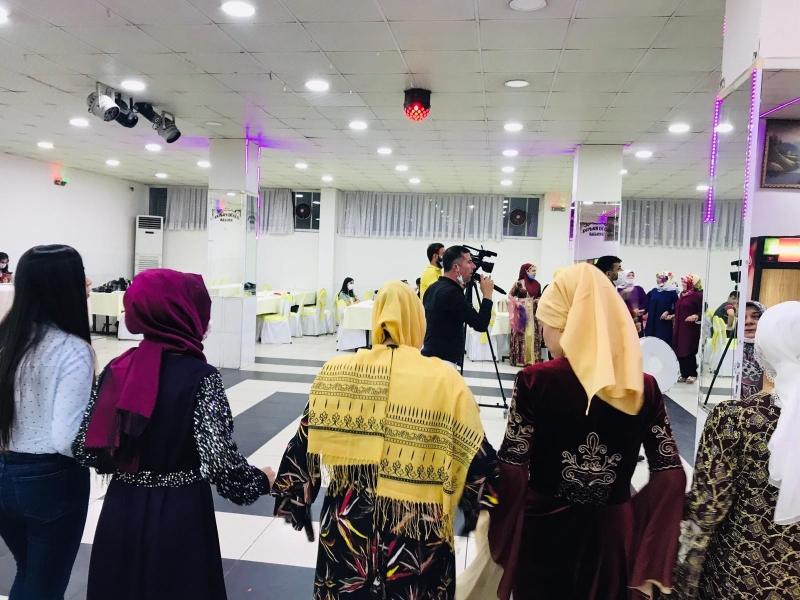 Diyarbakır'da bazı düğün, nişan ve kına törenlerinde vatandaşlar korona virüs tehdidini hiçe saydı