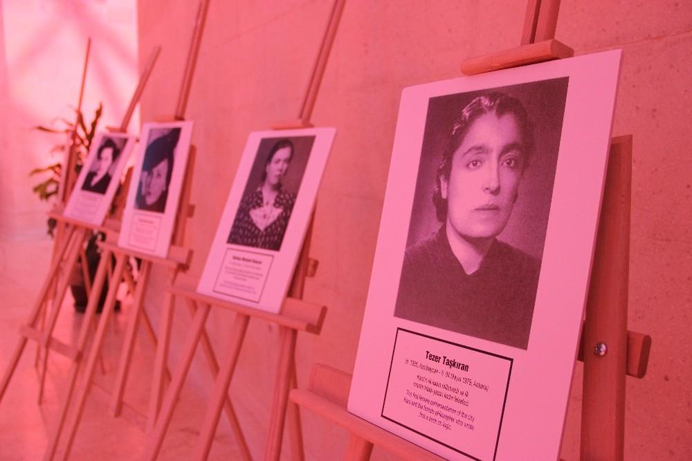 Her biri alanında öncü Türk kadınları sergide buluştu