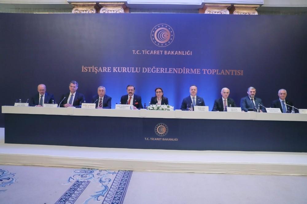 """Ticaret Bakanı Pekcan: """"Ekonomide çok önemli adımlar atılacak"""""""