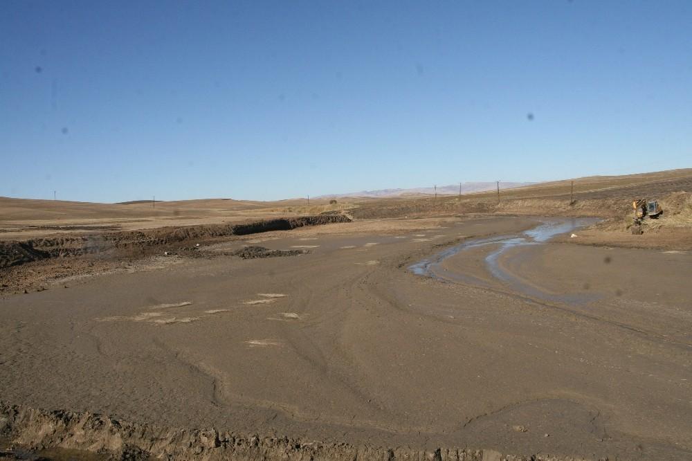 Silvan'da 300 bin metreküp kapasiteli hayvan içme suyu göleti tamamlandı