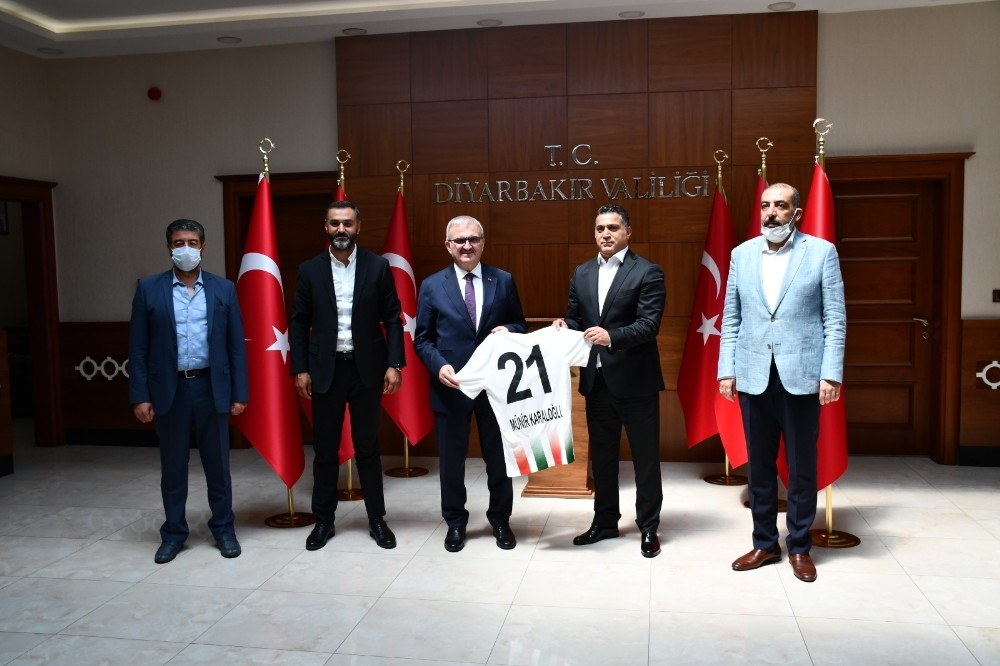 Diyarbekirspor'dan Vali Karaloğlu'na nezaket ziyareti