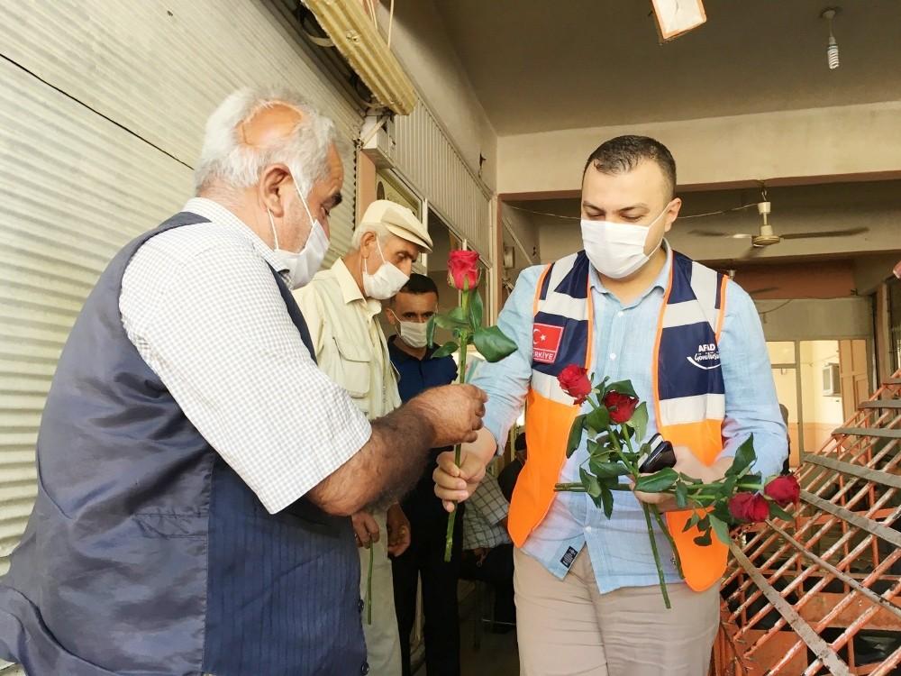 AFAD gönüllülerinden Silvan'da sosyal mesafe ve maske uyarısı